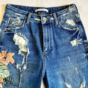 ZARA Floral Embroidered High Rise Cropped Jeans